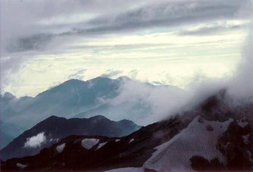白馬岳〜日本海側を望む